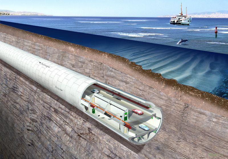 В Стамбуле открыли первый автомобильный тоннель под Босфором