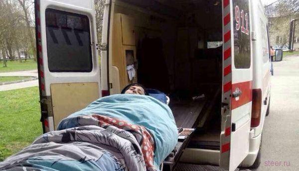 Инспекторы ГИБДД полчаса продержали скорую, которая везла в больницу женщину с инсультом