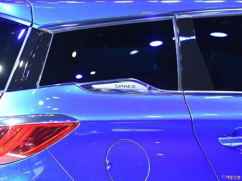 BYD показал две новые модели с дизайном от бывшего стилиста Alfa Romeo и Lamborghini