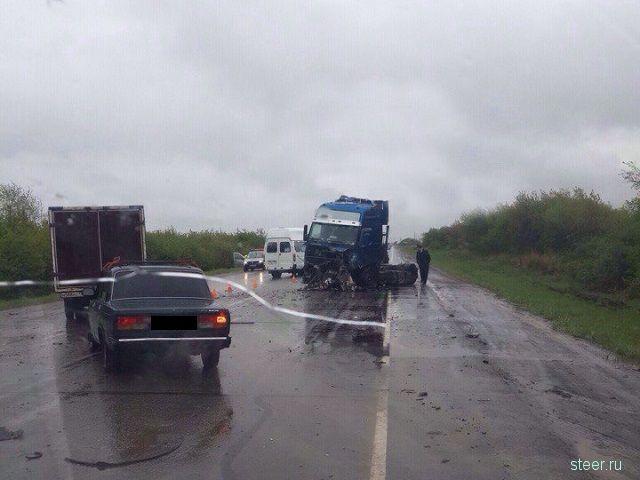 Водителю ВАЗа оторвало голову в ужасной аварии в Челябинской области