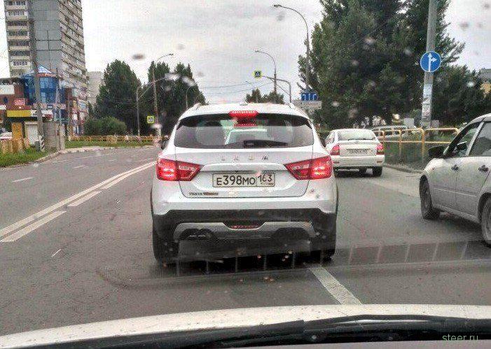 Серийную Lada Vesta SW Cross заметили на дорогах Тольятти