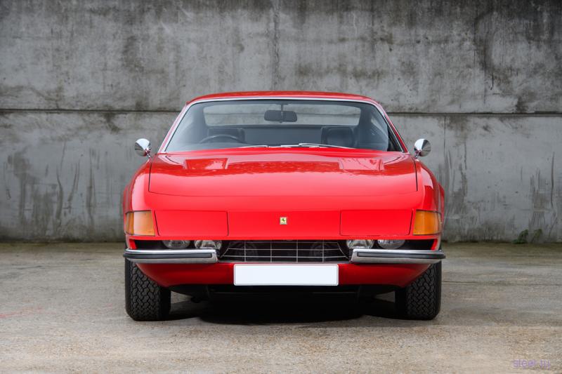 Ferrari Элтона Джона пустят с молотка за 655 000 евро