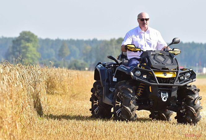 Александр Лукашенко показался на квадроцикле за $26 000