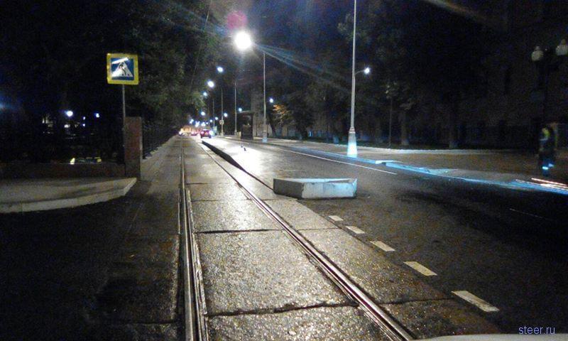 Московские водители пожаловались на новые трамвайные остановки
