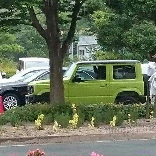 Первые «живые» фото нового Suzuki Jimny