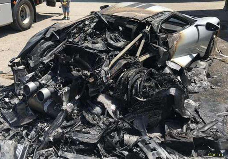 Суперкар Ford GT уничтожили при первой поездке