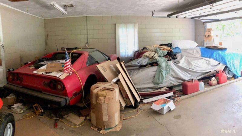 Внук нашел в гараже бабушки склад уникальных автомобилей