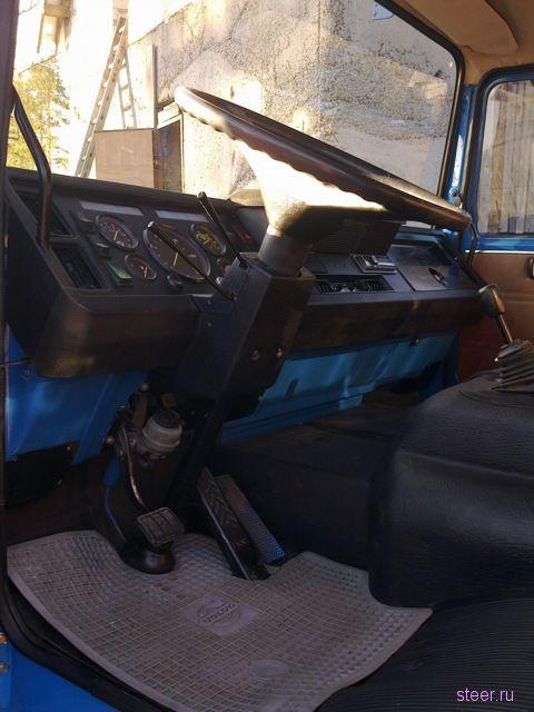Отец купил своему сыну, который только что закончил школу, убитую Volvo F6 и вместе восстановили её в идеал