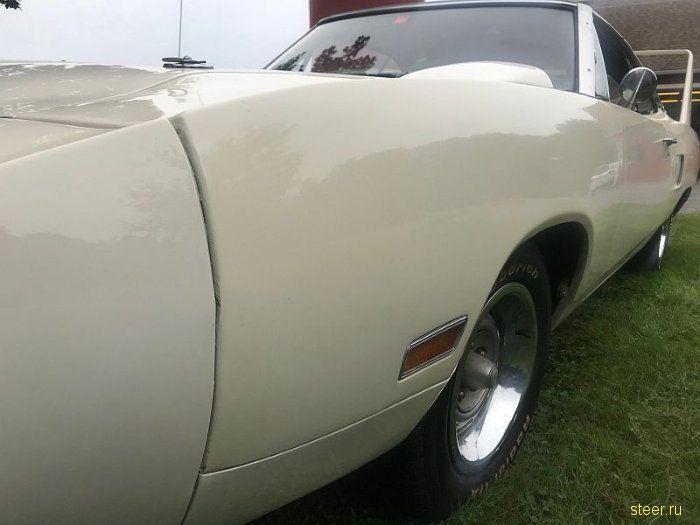 Владелец продает два очень редких Plymouth Superbird, которые простояли в гараже 40 лет.