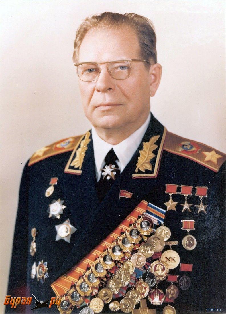 Премиум-класс по-советски: бронированный ЗИЛ маршала Устинова