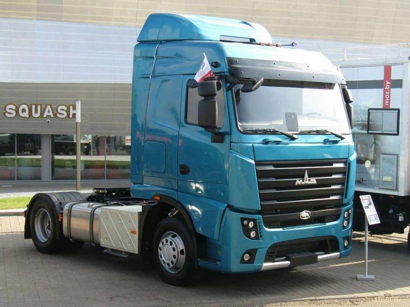 На дорогой Минска заметили новый МАЗ-5440M9