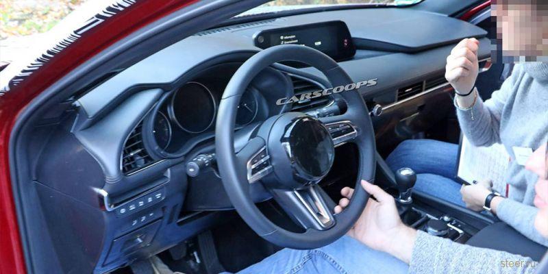 Первые фото салона новой Mazda3