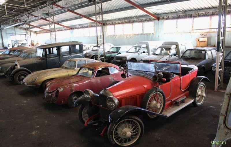 80 заброшенных коллекцилонных авто нашли в сарае