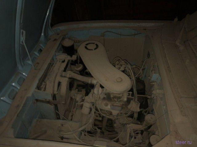 Омич обнаружил редкий «Москвич» в гараже, который не открывали 20 лет