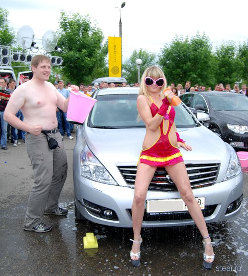 Знойное автошоу в Ижевске (фото)