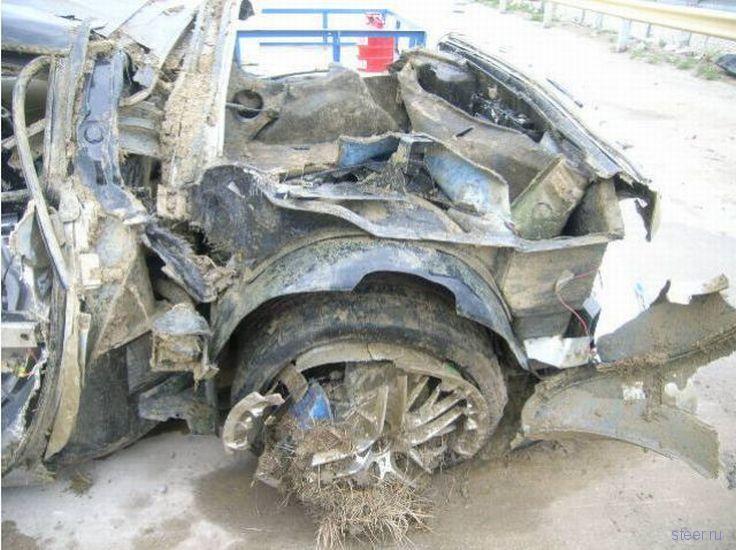 Разрушенный торнадо Корветт стоимостью 120 000 долларов (фото)