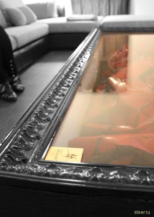 Кофейный столик из разбитого Феррари (фото)