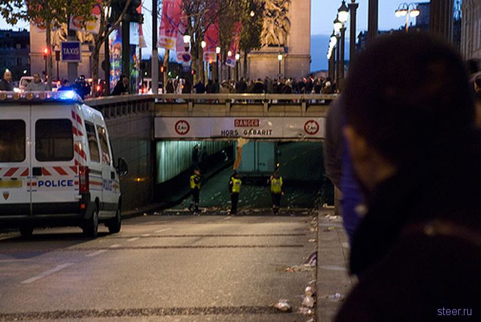 Парижский тоннель-убийца грузовиков (фото)