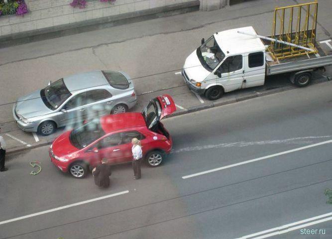 Наезд на парковочную тумбу (фото)