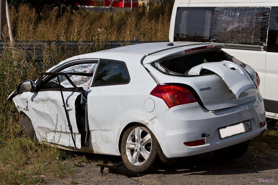 Асфальтовая крошка спровоцировала 13 аварий (фото)