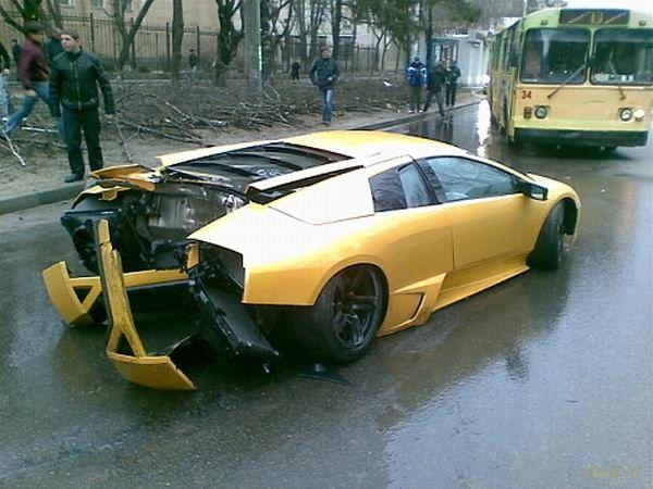 Lamborghini на нашей земле долго не живут (фото и видео)