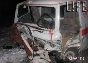 Пьяный помощник прокурора протаранил на джипе «скорую»: 1 погибший (фото)