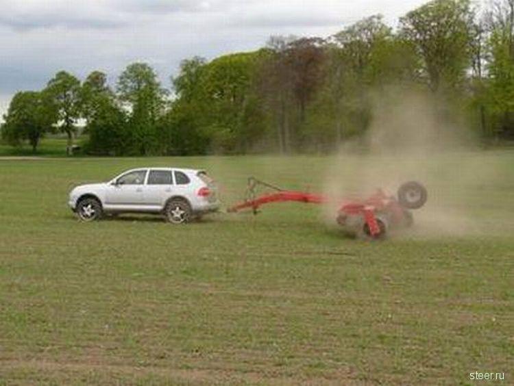 Вышли в поле трактора (фото)