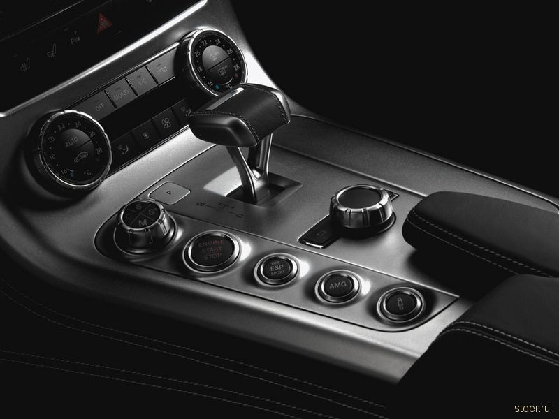 В России начались продажи супер-кара Mercedes-Benz SLS AMG Gullwing (фото)