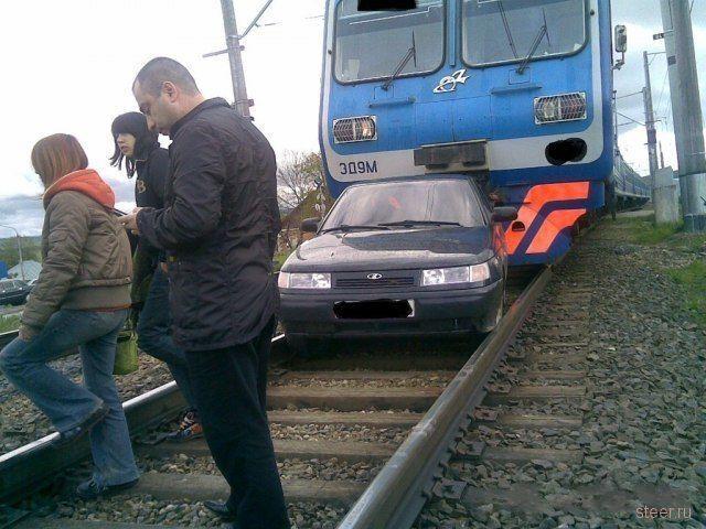 Странная авария на железной дороге (фото)