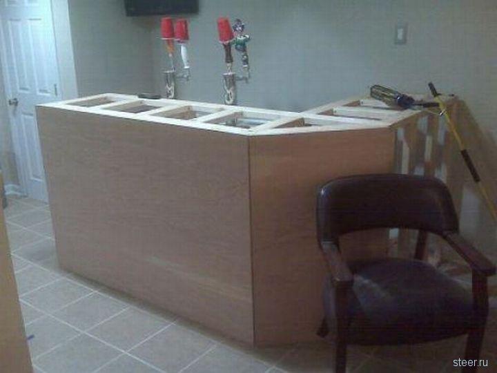 Автолюбитель соорудил бар в своем гараже (фото)