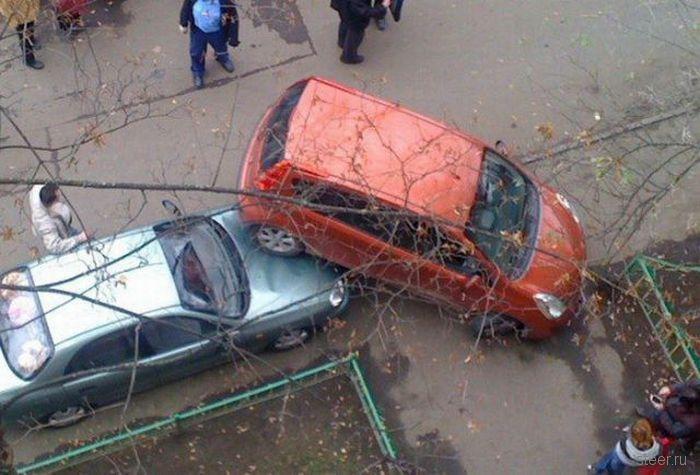 Неудача дворовой парковки (фото)