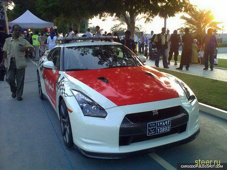 Полицейское купе Nissan GT-R из Абу-Даби (фото)
