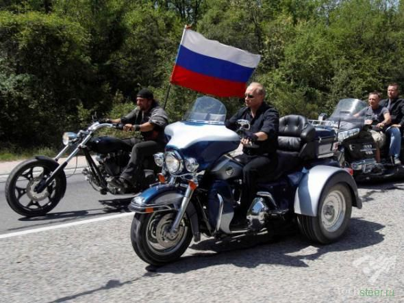 Путин приехал на слет байкеров на «Харлее» (фото и видео)