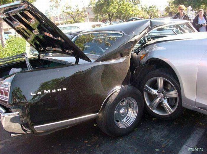 Нелепая авария унесла жизни двух ретро-каров (фото)