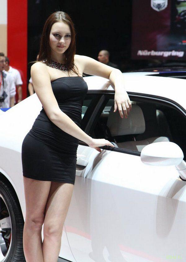 Девушки женевского автосалона 2011 (фото)