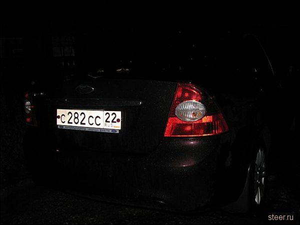Барнаулец на стоянке потревожил машину сотрудника ГИБДД с
