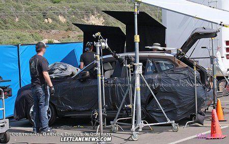 Компактный кроссовер BMW X1 попал в объективы папарацци (фото и видео)