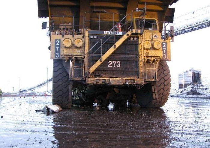 На этих фото изображены два грузовика (фото)