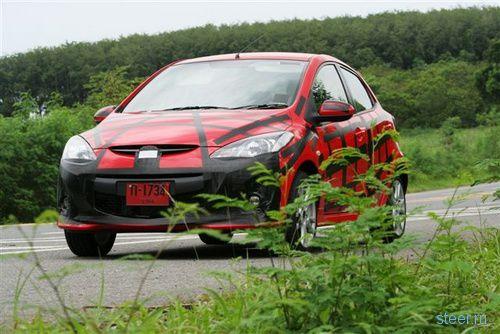 Mazda2 после фэйслифтинга (фото)